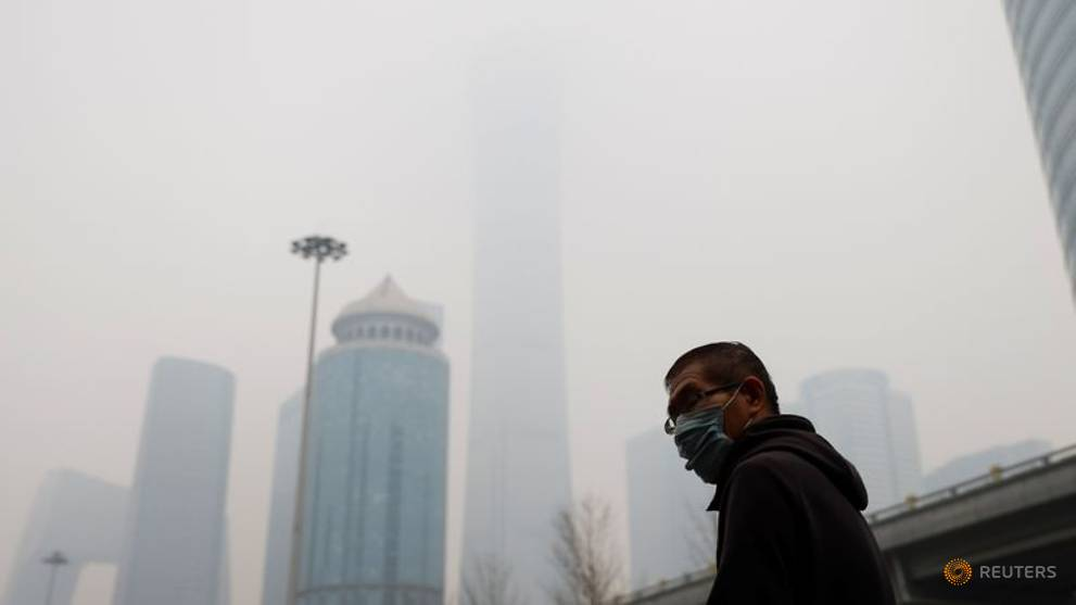 Beijing smog casts gloom over Chinese New Year holiday