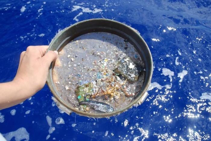 NASA卫星可让科学家从太空更高效率地追踪海洋微塑料