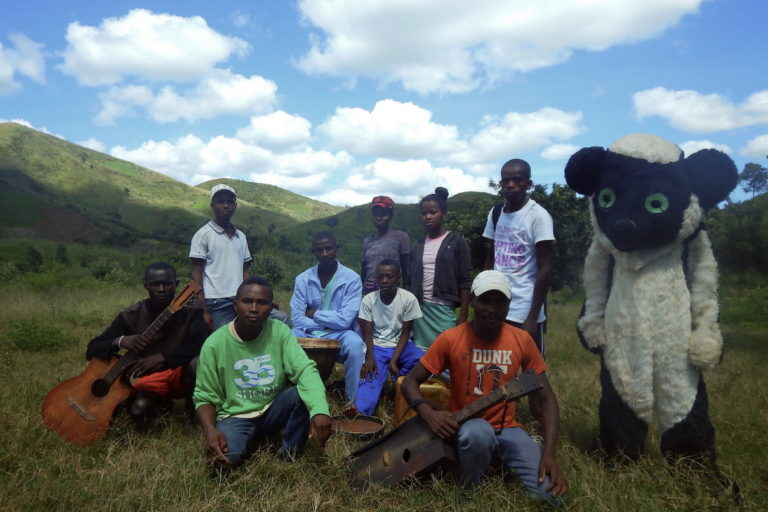 Madagascar: Young farmers adopt new methods to help lemurs, forests and themselves