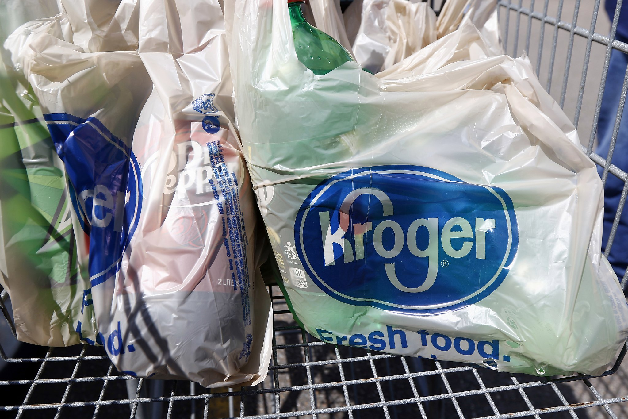 After pandemic delay, Washington's plastic bag ban to go into effect on Oct. 1
