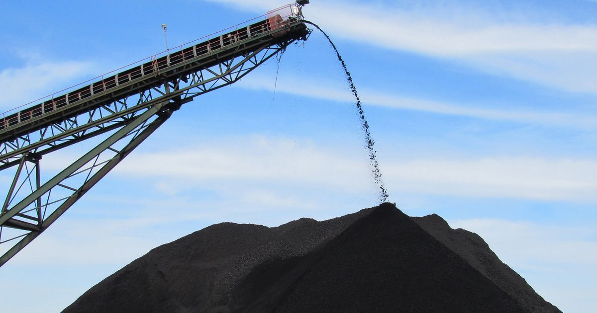 Banks And Investors Are Still Pouring Billions Into Coal Companies