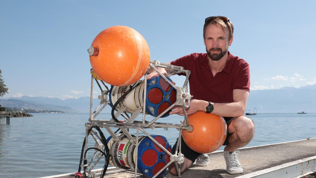 Deepwater renewal in Lake Geneva in light of climate change