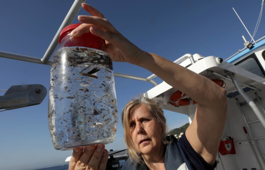 Washing your clothes can create Arctic microplastic pollution